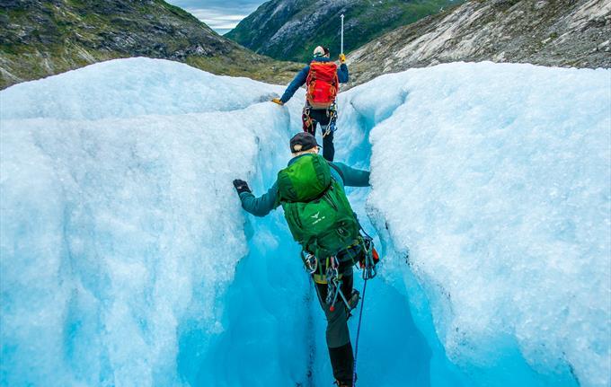 crevasse climbing in Norway